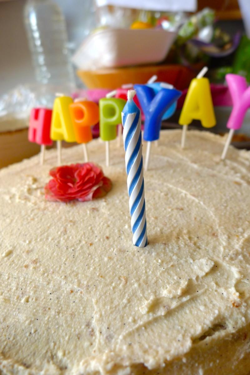 Το πρώτο κέικ γενεθλίων (χωρίς ζάχαρη)